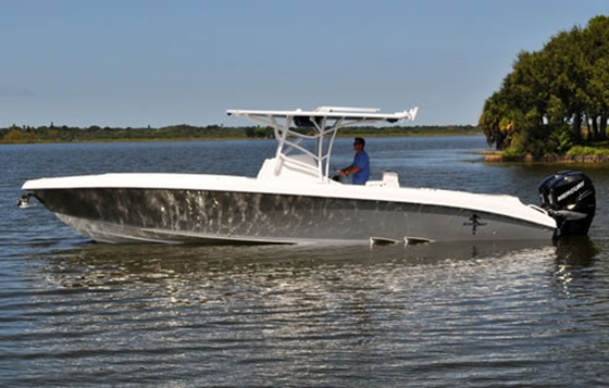 Go fast boats get centered at miami for Fast fishing boats