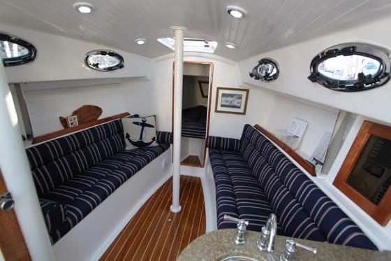 Schock Harbor 30 cabin