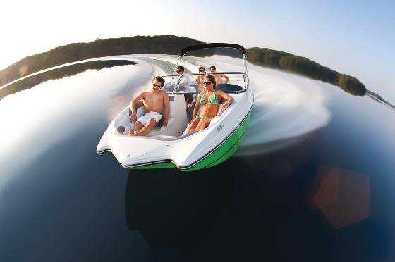 Rinker Captiva 200 MTX: All Inclusive and Inexpensive