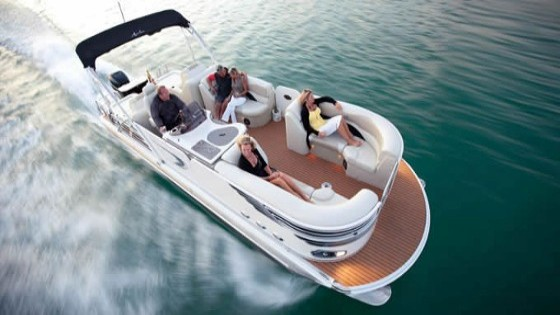Avalon 27 Ambassador luxury pontoon boat
