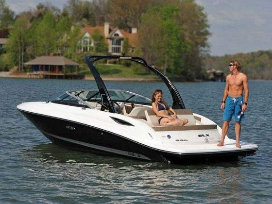 Sea Ray 230 SLX: Wakeboarding Bowrider Wow
