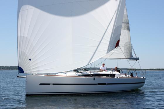 Dufour 36 sailing