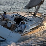 Jeanneau Sun Odyssey 509 looks sleek and sails well. The deck layout and sail plan favors singlehanded and shorthanded crews.