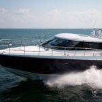 Sealine C48: Express Cruiser with an Expansive Attitude