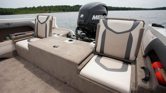 stern seats in the superhawk from crestliner boats