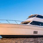 Maritimo M58 Motoryacht: Sky Box