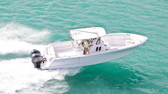 Belzona 32 center console fishing boat