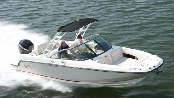 230 Vantage from Boston Whaler