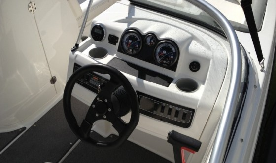 bayliner boats 215db