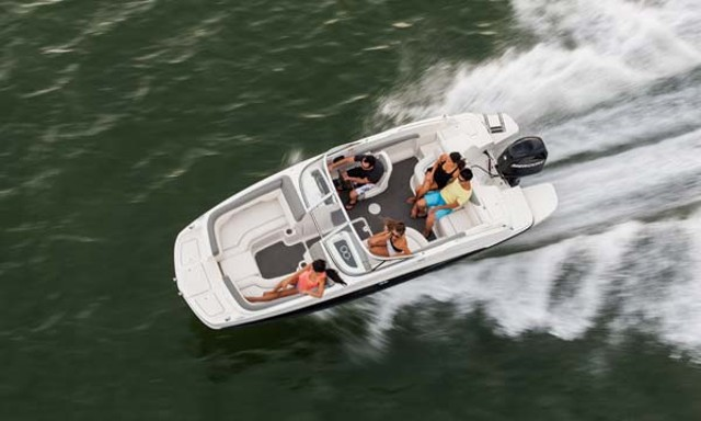bayliner 190 deckboat