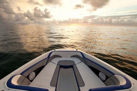 searay jet boat bow
