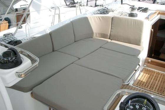 L-shaped settee