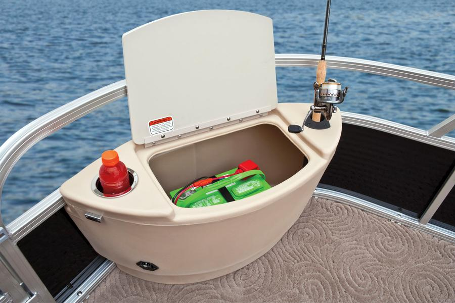 Can a pontoon boat be a serious fishing boat for Fish livewell for boat