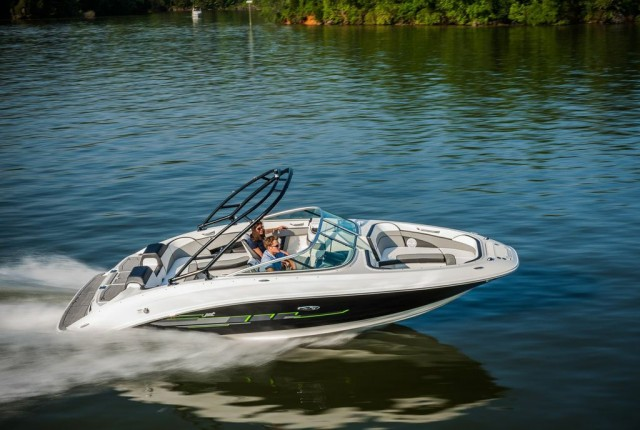 Sea Ray 24 Jet: The Biggest Jet Boat of the Year - boats com