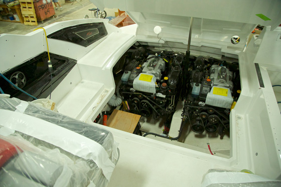 Cruisers-328-engine