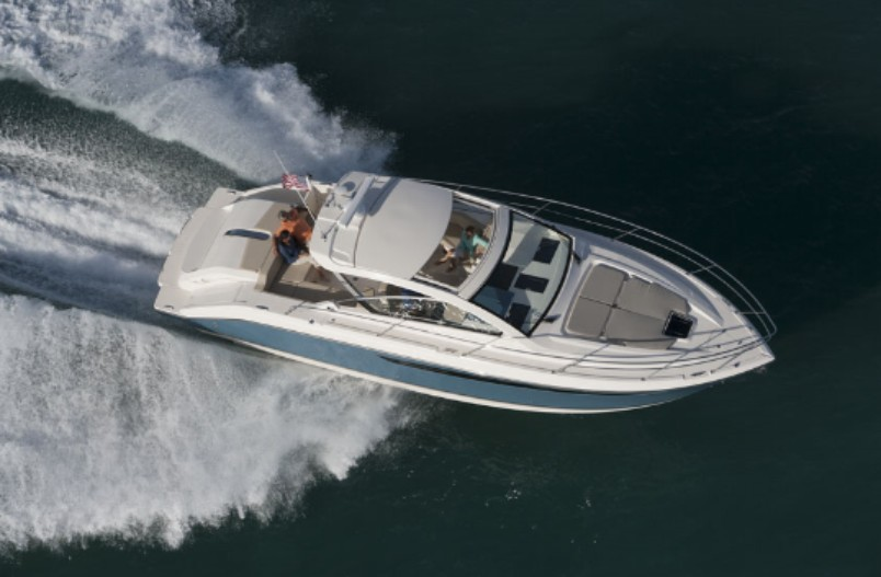 Exceptionnel Another Express With Outboards Inside Is The Pursuit 365i.