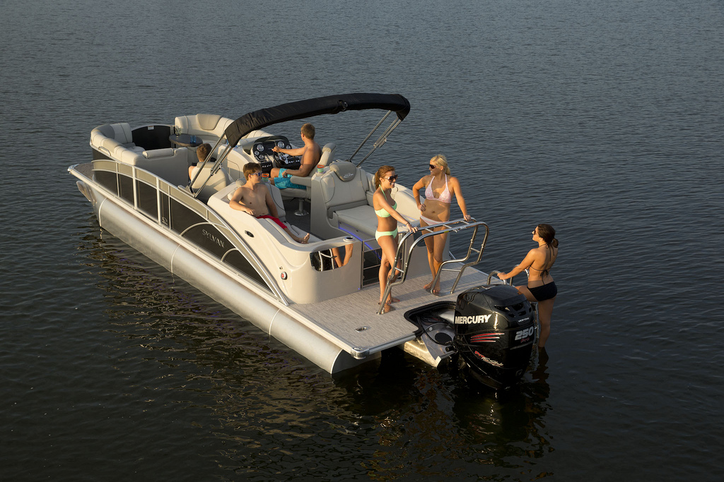 10 top pontoon boats of 2013 for Best fishing pontoon
