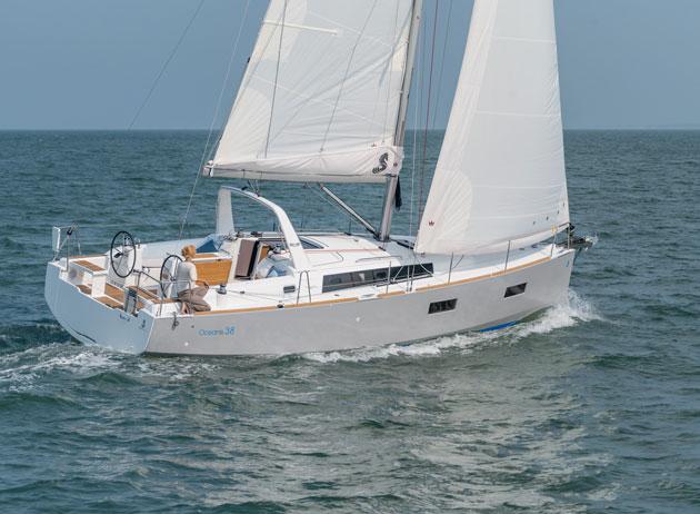 beneteau oceanis 38 sailing