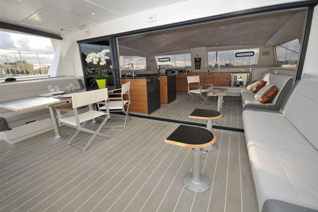 catana 59 saloon