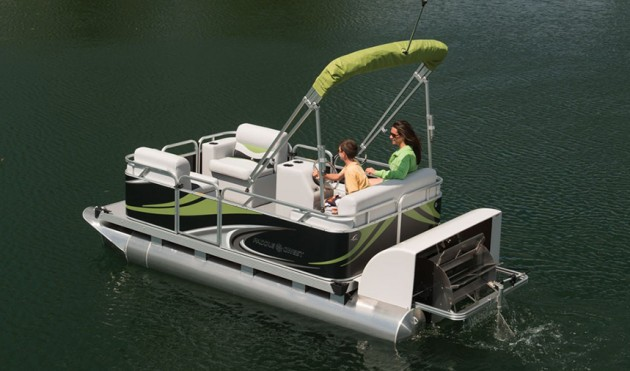 Paddle qwest 614 pedal your way to fun for Fishing pedal boat