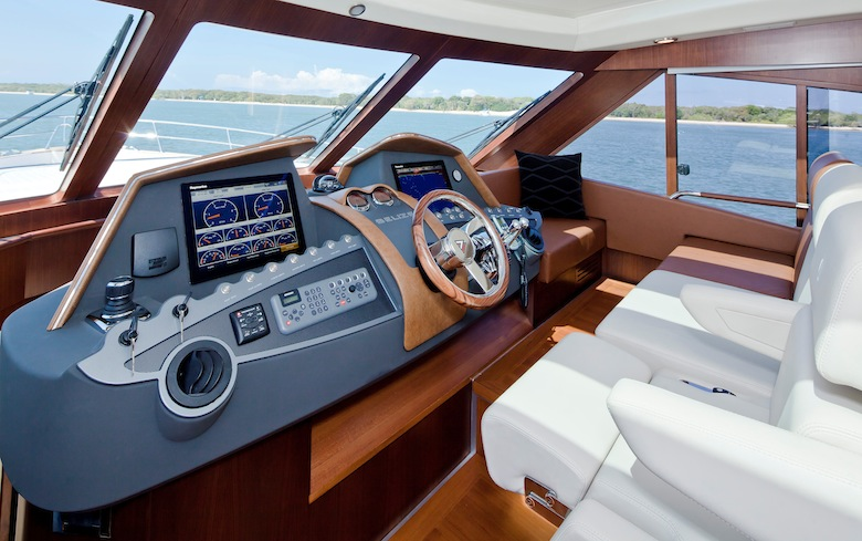 Boat Control Panels : Belize daybridge modern motor yacht with a classic