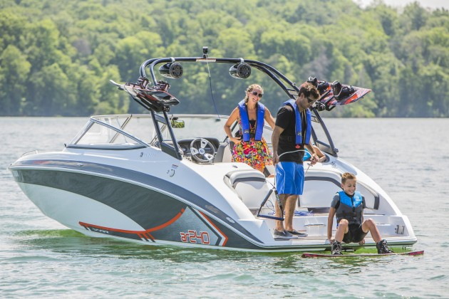 All Yamaha 240 Series models feature a signature transom design that incorporates a lounge area and places the swim platform just above water level. Can speakers and board racks on the tower are optional.