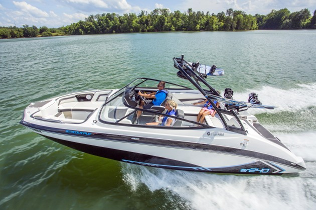 The Yamaha AR240 adds bold graphics and a tow-sports tower to the base SX240 model.