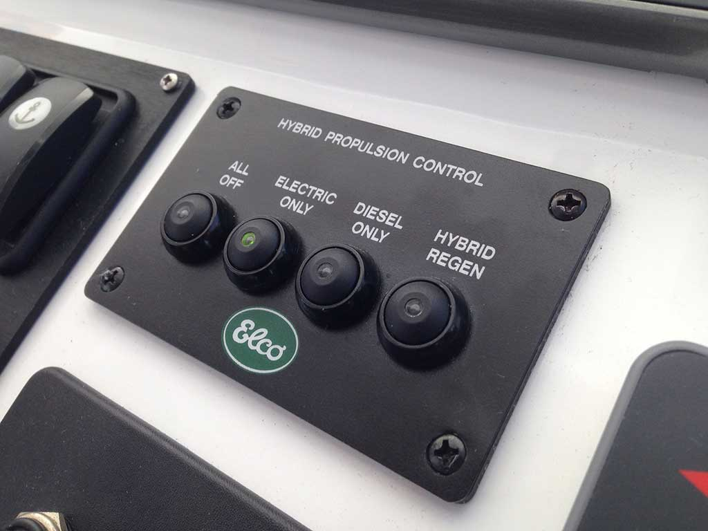 Boat Control Panels : Shock and awesome beneteau goes hybrid with a swift