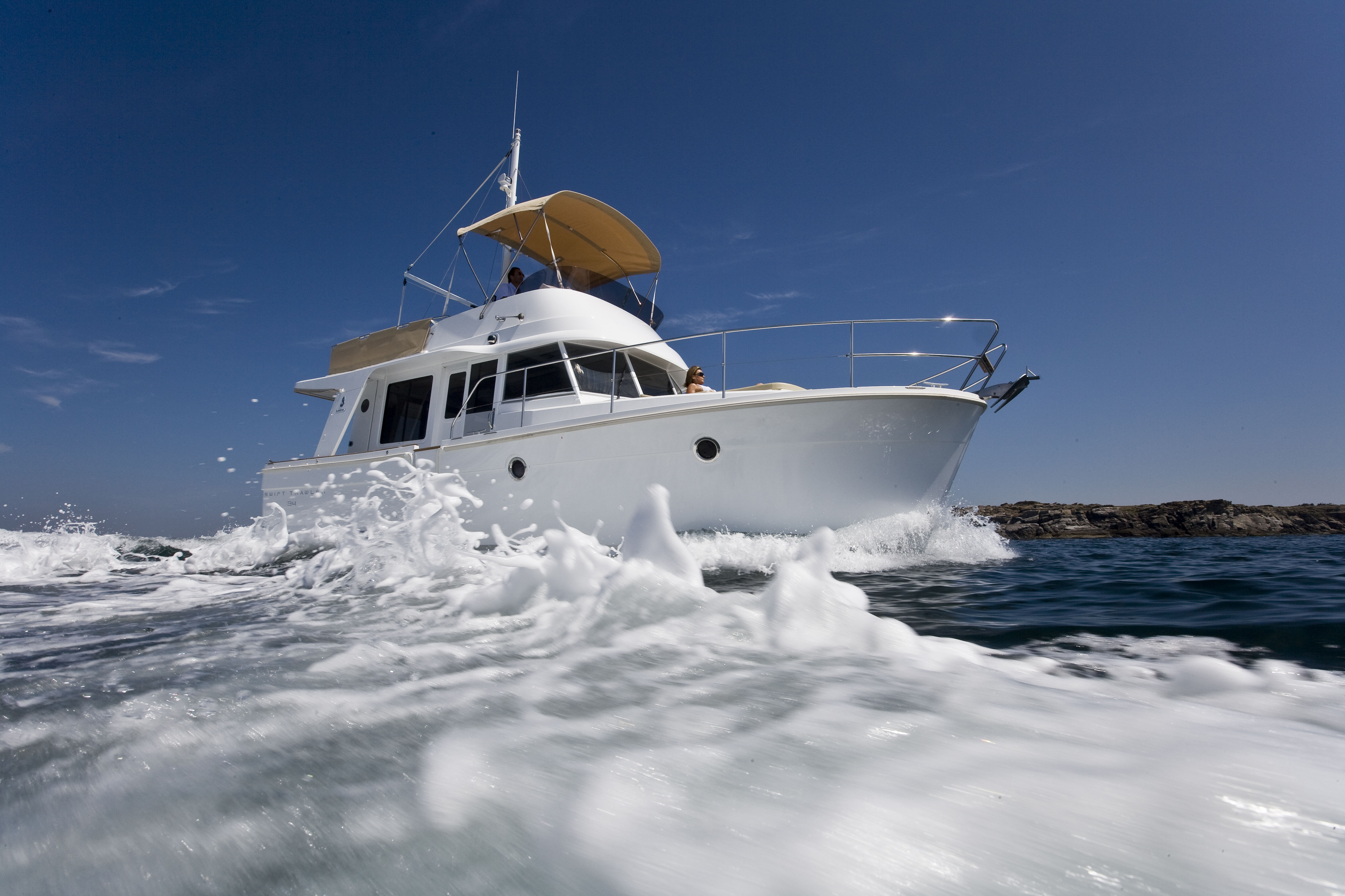 Shock And Awesome Beneteau Goes Hybrid With A Swift Trawler 34 Boats Com