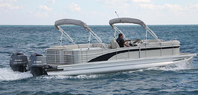 Bennington 30 Club Twin: The 50-mph Living Room - boats com
