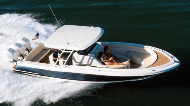 Chris-Craft Catalina 34: Decidedly Different - boats com
