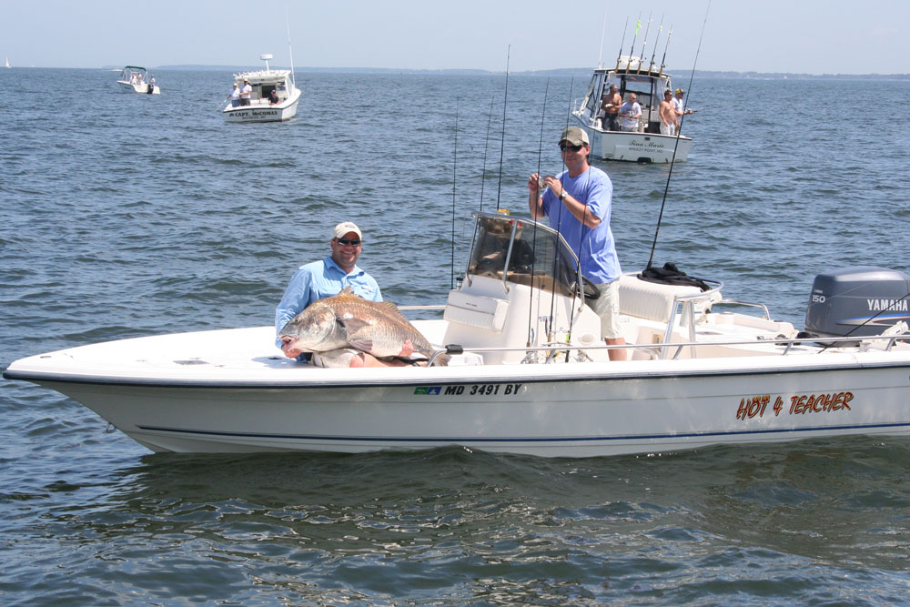 center console offshore fishing boats
