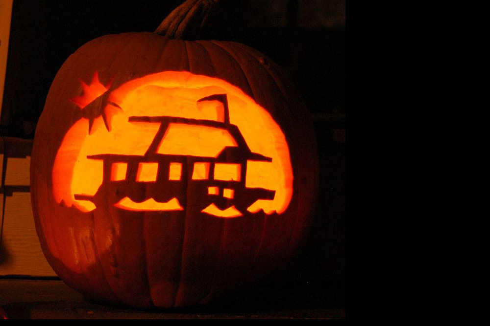 Halloween Decorations For Your Boat: Dockside Trick-or