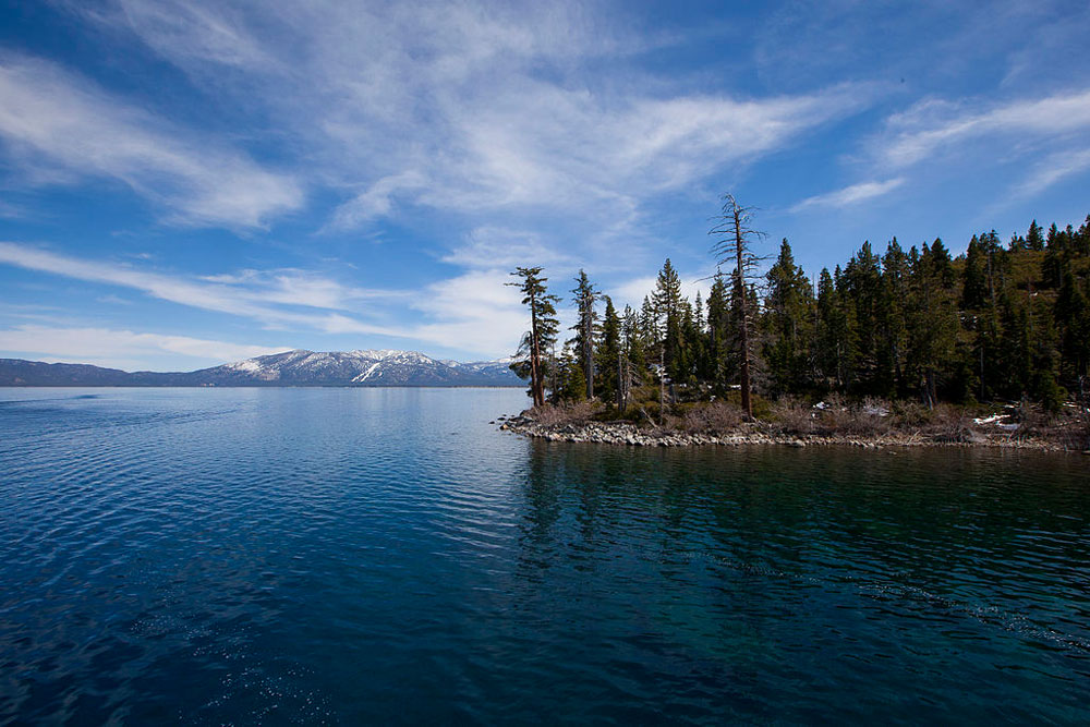 Top 10 western lakes for boaters for Shore fishing lake tahoe