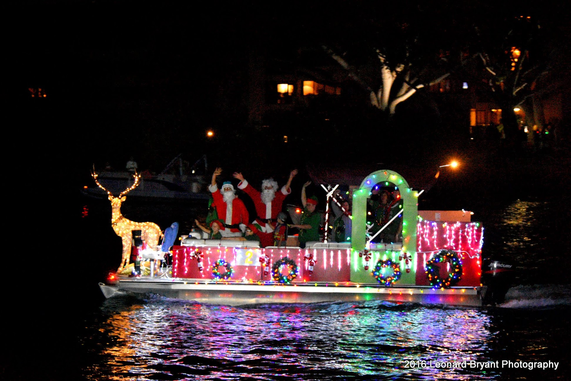 Christmas Boat Parade Decorating Ideas.Decorating Your Boat For The Holidays Boats Com