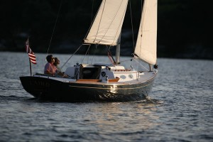 Perry Design Review: Alerion Express 28