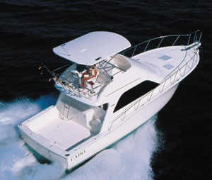 Cabo 43 Flybridge Sportfisher: Strong and Nimble