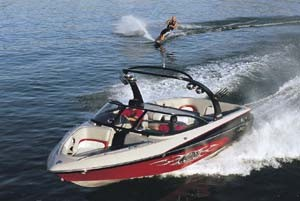 Malibu Wakesetter 23 XTi: 2004 Tow Boat of the Year
