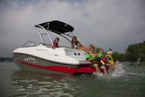 Captiva 200 MTX:  A Nifty Little Runabout