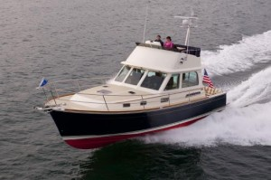 Sabre 40 Flybridge: Fast, Fun, Fuel-Efficient