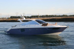 Cranchi Fifty 6 Soft Top: Hot Yacht