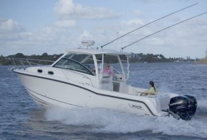 Boston Whaler 315 Conquest: Super-sized and Unsinkable