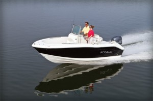 Robalo R180: Small Center Console, Big Attitude