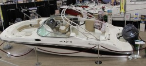 Hurricane SunDeck 2690 Deck Boat: Wide Beam, Inventive Nature