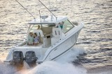 Pursuit DC 325: Luxury in a Dual Console